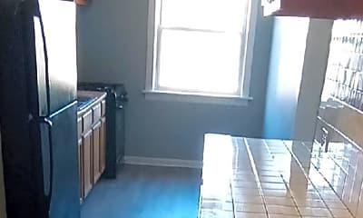 Bathroom, 8049 S Maryland Ave, 2