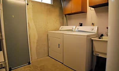 Bathroom, 1740 Linmar Dr NE, 2