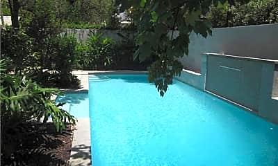 Pool, 1509 Robert St A, 1
