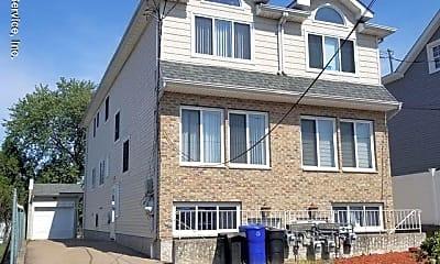 Building, 39 Poplar Ave B, 0