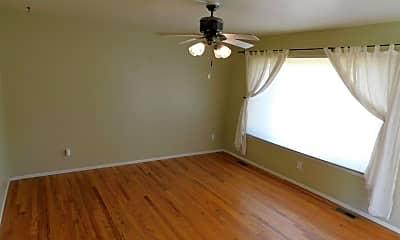 Bedroom, 2910 Marshall St, 1