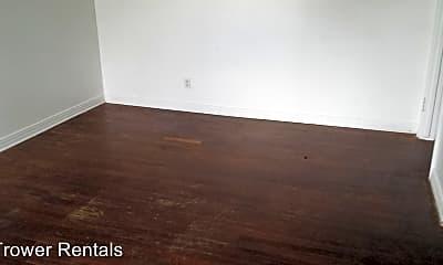 Living Room, 2304 Keystone Dr, 1