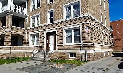 Building, 270 Sigourney St, 1