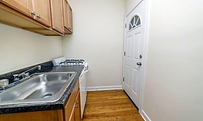 Kitchen, 431 W Belden Ave, 1