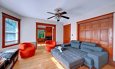 Living Room, 1033 28th Ave NE, 1