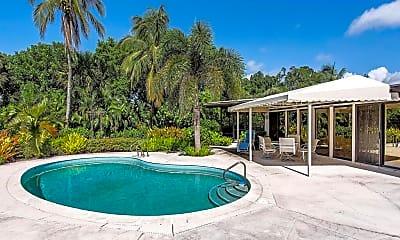 Pool, 275 Gulf Shore Blvd N, 2