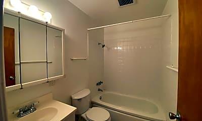 Bathroom, 1642 Harmon St, 2