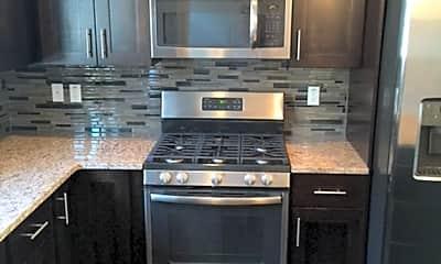 Kitchen, 156 8th St N, 1