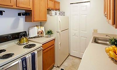 Kitchen, 510 Main Apartment Homes, 1