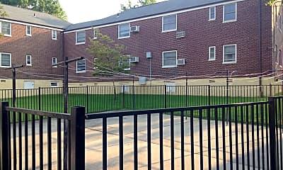 Deepdale Gardens Apartments, 2