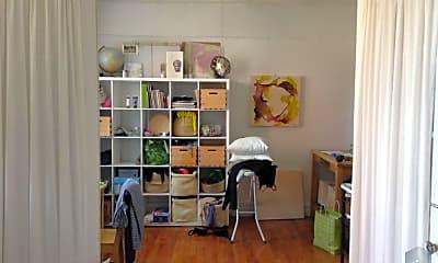 Living Room, 270 15th St, 1