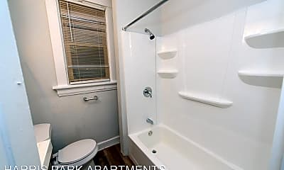 Bathroom, 2715 Harris Ave, 2
