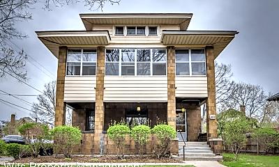 Building, 35 Lexington Pkwy N, 1