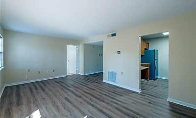 Living Room, 475 Mount Vernon Hwy NE 117A, 1