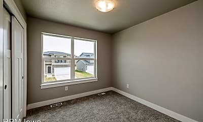 Bedroom, 512 NE Whitetail Dr, 2