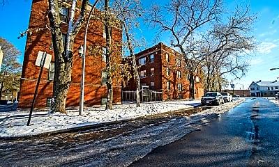Building, 2838 E 91st St, 1