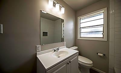 Bathroom, 3416 Baumann Ave, 2