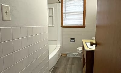 Bathroom, 2122 Hickory Ln, 2