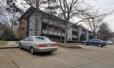 Building, 1300 Bailey Rd, 0