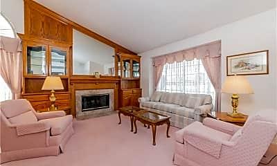 Living Room, 27505 Terrytown Rd, 2