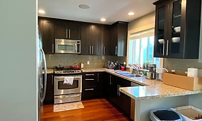 Kitchen, 3118 Franklin Ave E, 1