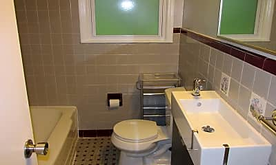 Bathroom, 609 Ideal Way, 2