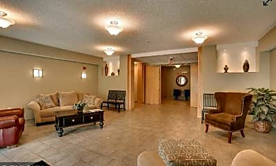 Living Room, 619 SE 8th St 210, 1