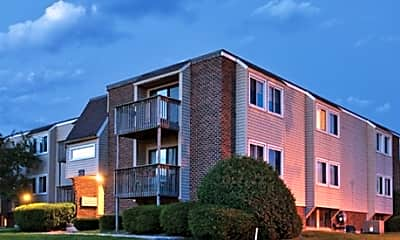 Carriage Hill East Apartments, 1