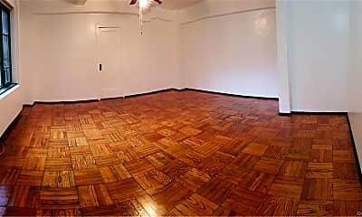 Living Room, 89 Metropolitan Oval 1H, 0