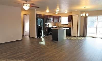 Kitchen, 325 Jerry Pl, 1
