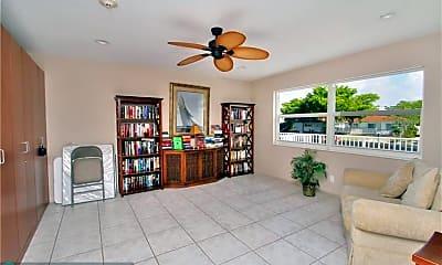 Living Room, 2829 NE 33rd Ct 203, 2