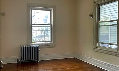 173 Archer Ave 2, 2