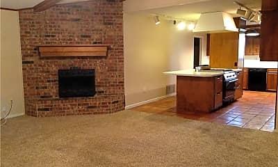 Living Room, 6333 Twin Oaks Dr, 1