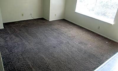 Living Room, 415 Maple St, 2