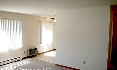 Living Room, 6630 Queen Ave S, 2