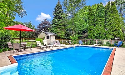 Pool, 530 Stillwater Ave, 2
