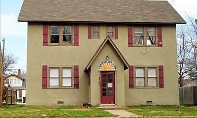 Building, 217 W Apache St 3, 0
