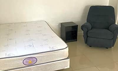 Bedroom, 1610 N Dixie Hwy, 2
