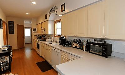 Kitchen, 1527 W School St, 1