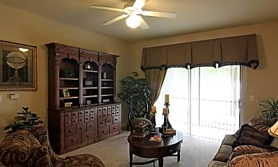 Living Room, The Landings at Long Lake, 1