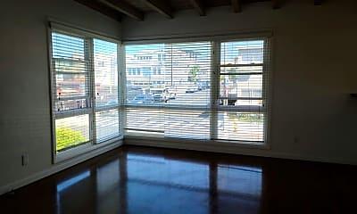 Patio / Deck, 310 Longfellow Ave, 2