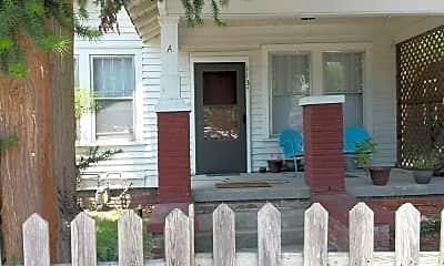 Patio / Deck, 113A E.13th St., 0