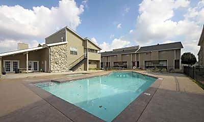 Pool, Vines at Edmond, 0