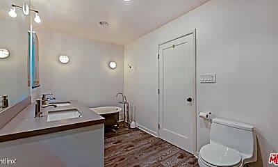 Bathroom, 3247 Dos Palos Dr, 2