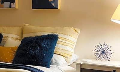 Living Room, 220 N Magdalen St, 1