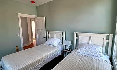 Bedroom, 7 N Circular St, 2