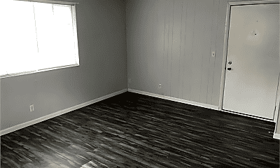 Living Room, 928 S Stewart St, 1