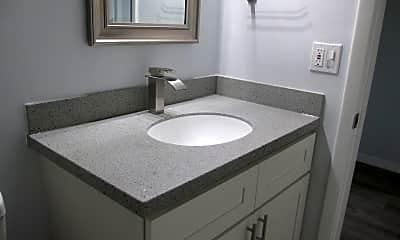 Bathroom, 1910 S Palmetto Ave, 2