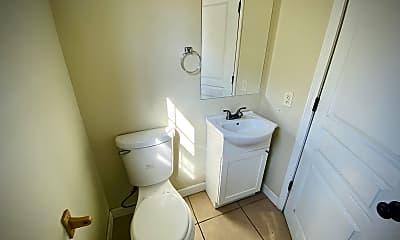 Bathroom, 1751 Pemiscot St, 2