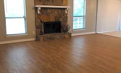 Living Room, 5032 Mixon Pl, 1